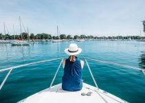 5 Best Personal Locator Beacons for Boating (Reviews Updated 2021)